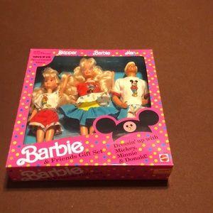 1991 Barbie & Friends Gift Set